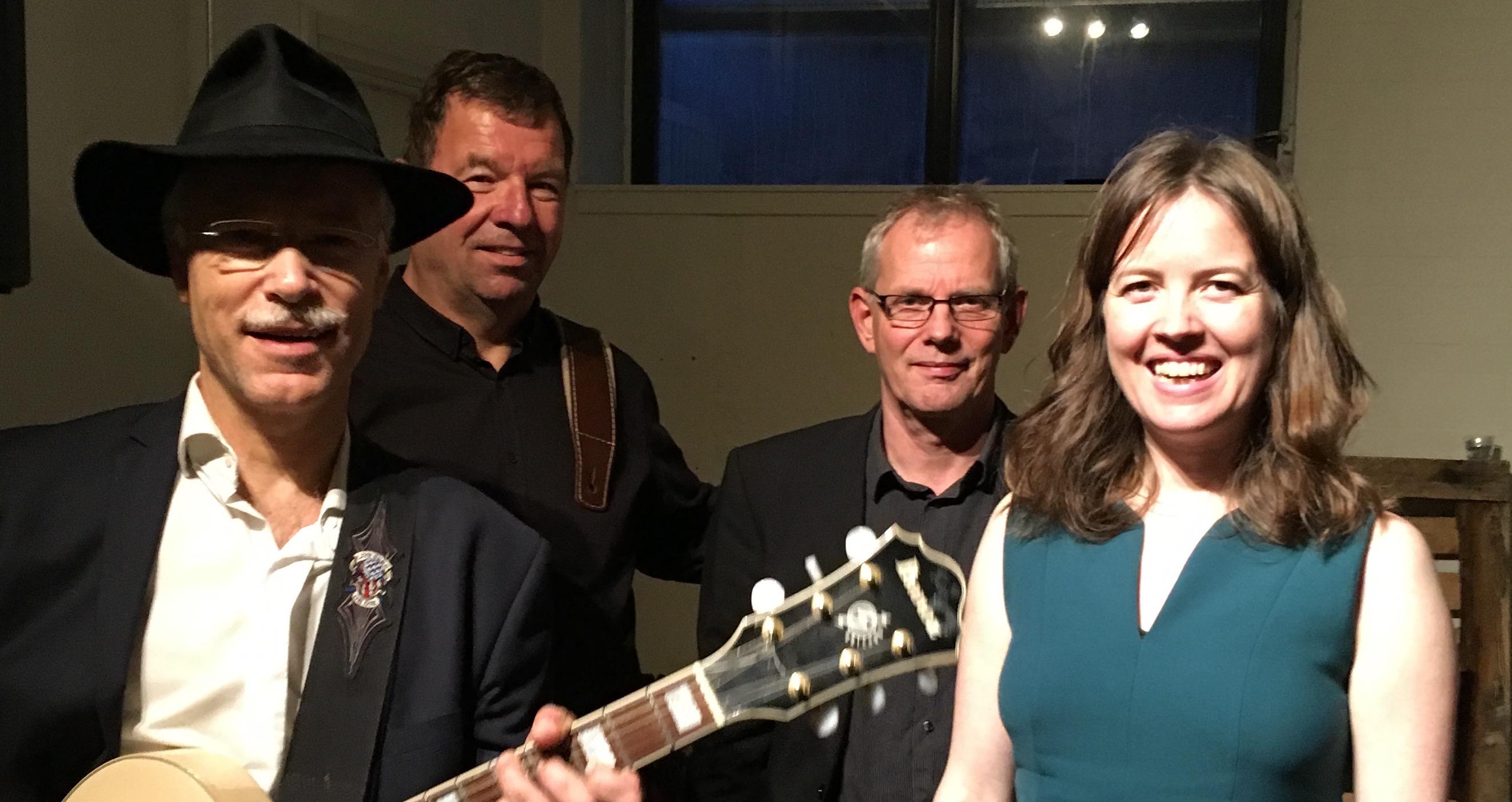 Katrine Rømhild Quartet med Jørgen Johnbeck (bas) og Jesper Gilbert (guitar) jespergilbert.dk